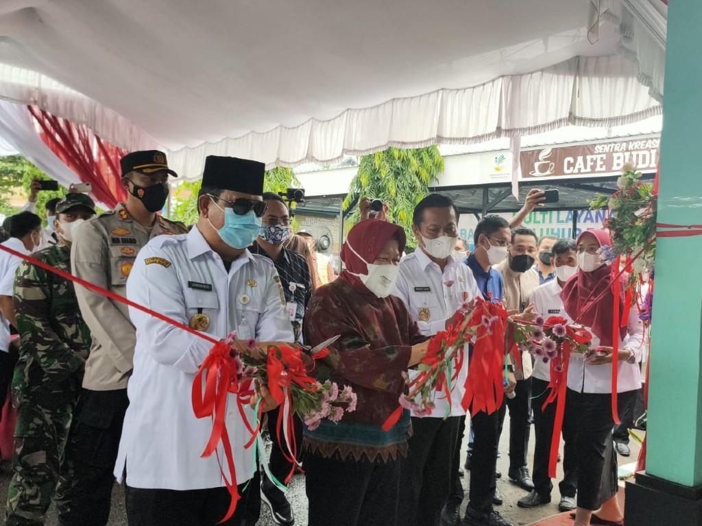 Mensos juga meresmikan Sentra Kreasi ATENSI (SKA) ke-8 di Balai Budi Luhur Banjarbaru Kalimantan Selatan.